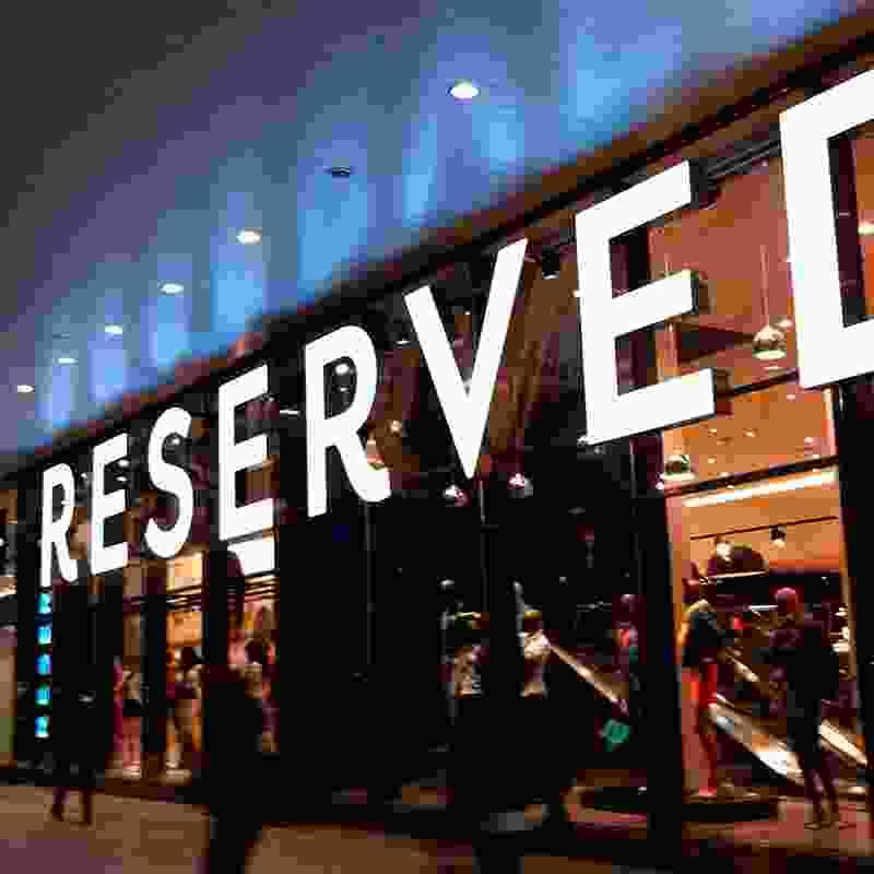 Reserved – ubrać markę, która ubrała Polskę